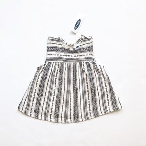 Old Navy NWT black/white fit & flare top 12-18m